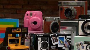 L'appareil photo argentique fait son grand retour. (FRANCE 2)