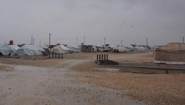 Dans le camp de déplacés de Roj à l'extrême nord-est de la Syrie, en janvier 2018. (ÉRIC AUDRA / FRANCEINFO)