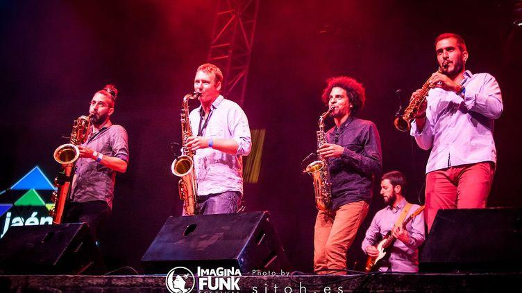 Privés de concert, la Old School Funk Family a sorti son 4e album (Old School Funk Family)