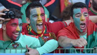 Des supporters portugais motivés avant Portugal-Croatie, samedi 25 juin à Lens (Pas-de-Calais). (PHILIPPE HUGUEN / AFP)