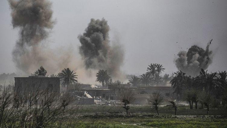 La villedeBaghouz, dernier carré du groupe Etat islamique, dans l'est de la Syrie, le 13 mars 2019. (DELIL SOULEIMAN / AFP)