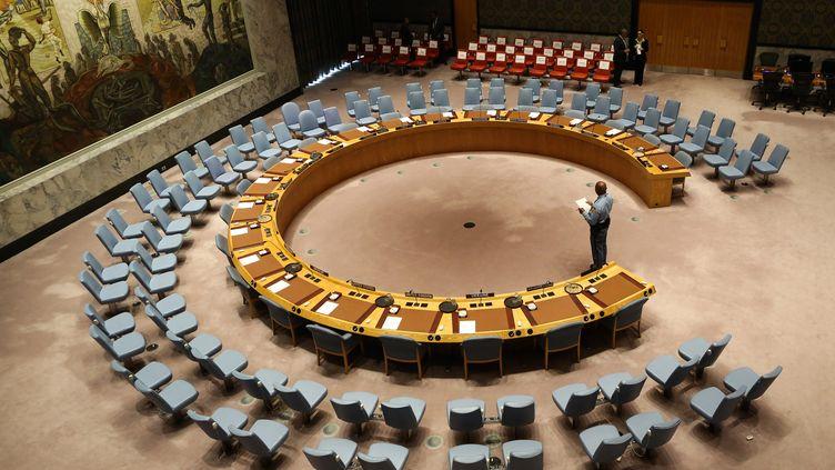 Les sièges vides du Conseil de sécurité le 20 septembre 2017, au siège des Nations unies, à New York (Etats-Unis). (STEPHANE LEMOUTON / POOL)