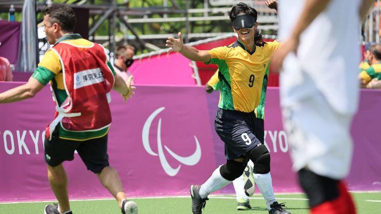 Le Brésil est une nouvelle fois champion paralympique de cécifoot, à Tokyo. (MASAKI AKIZUKI / YOMIURI / AFP)