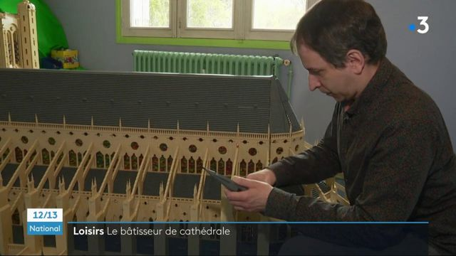 Bourges : la cathédrale reproduite en Lego par un passionné