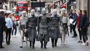 """Des""""White Walkers"""" de la série """"Game of Thrones"""", àLondres le 11 juillet 2017.  (PINPEP / CATERS NEWS / SIPA)"""