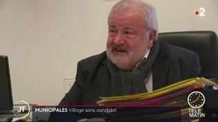 Michel Tapon,le maire DVD de Sérigné (Vendée) (France 2)