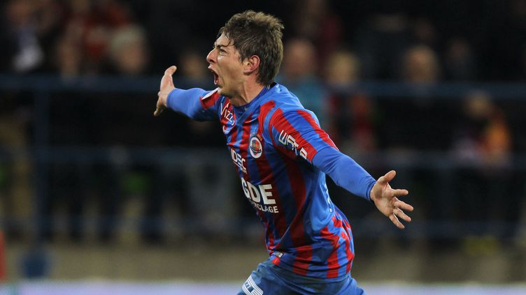 Emiliano Sala exulte : Caen continue de s'éloigner de la zone rouge (CHARLY TRIBALLEAU / AFP)