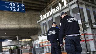 A l'aéroport de Roissy-Charles-de-Gaulle (Val-d'Oise), le 22 mars 2016. (MAXPPP)
