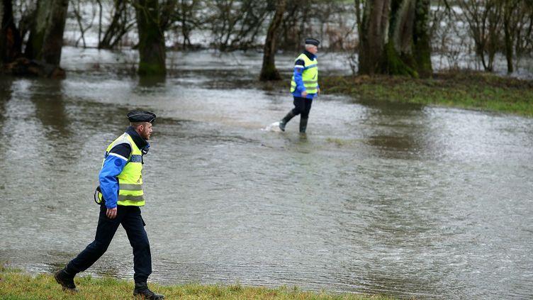 Les gendarmes ont cherché, samedi 6 janvier, un homme de 70 ans qui a disparudans les intempéries qui ont frappé la Haute-Marne. (FRANCOIS NASCIMBENI / AFP)