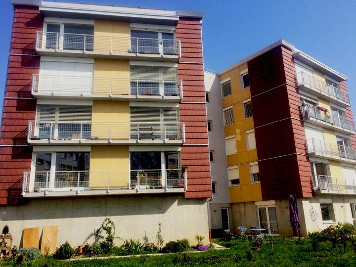 L'immeuble conçu et habité par les membres de la coopérative Chamarel de Vauxl-en-Velin (Rhône). (Coopérative Chamarel)