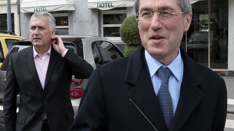 Claude Guéant, lors des législatives, à Boulogne-Billancourt (Hauts-de-Seine), le 13 juin 2012. (JACQUES DEMARTHON / AFP)