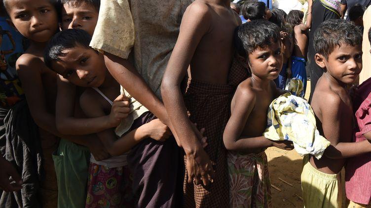 Des enfants dans un camp de réfugiès rohingyas, le 22 septembre 2017. (DOMINIQUE FAGET / AFP)