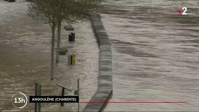 Inondations : en Charente et dans le Lot-et-Garonne, les sinistrés sont calfeutrés