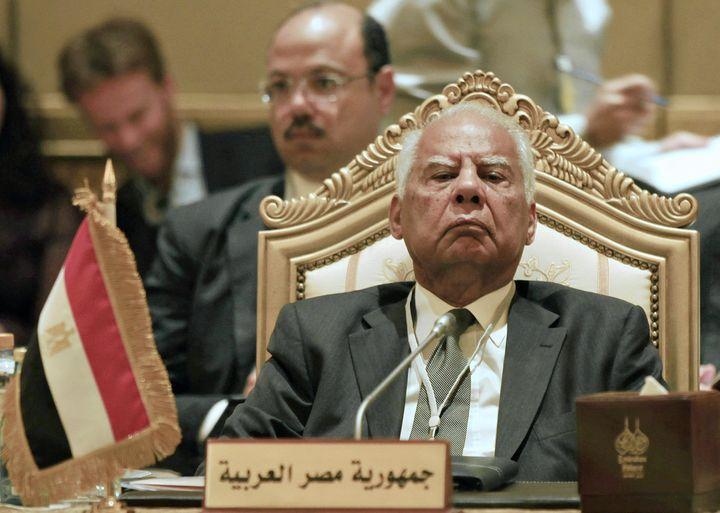 Hazem El-Beblaoui, Premier ministre égyptien, alors ministre des Finances, à Abou Dhabi, le 7 septembre 2011. (JUMANA EL-HELOUEH / REUTERS)