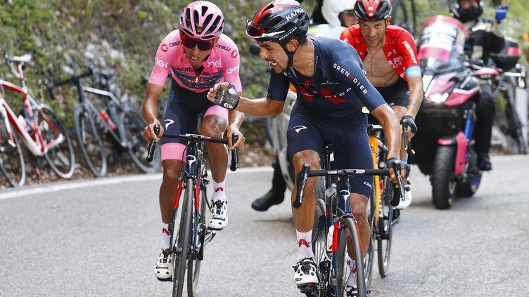Egan Bernal et son coéquipier Daniel Felipe Martinez lors de la 17e étape du Giro 2021. (LUCA BETTINI / POOL)