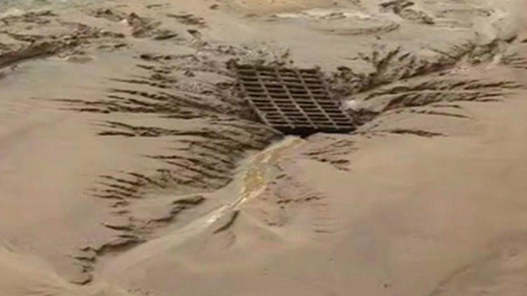 Une pluie diluvienne s'est abattue hier, mercredi 18 juin, dans le nord de la France. Des pluies intenses accompagnées d'orages ont entraîné une coulée de boue dans le petit village de Paillencourt (Nord). (France 3)