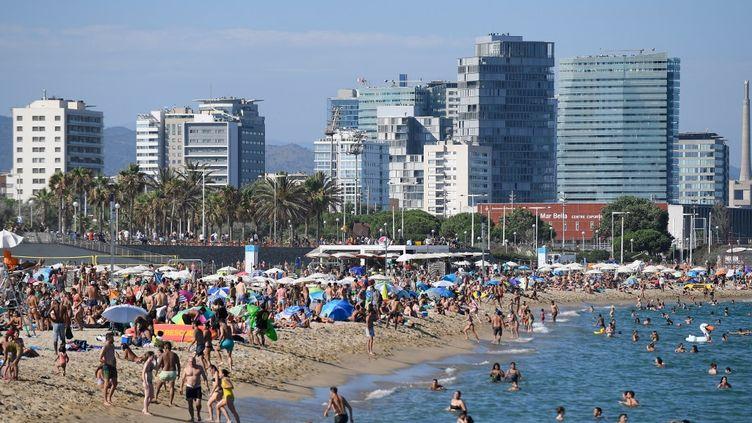 Une plage à Barcelone, en Espagne, le 19 juillet 2020. (JOSEP LAGO / AFP)