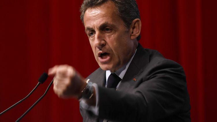 Le président des Républicains, Nicolas Sarkozy, lors d'un meeting à Anvers (Belgique), le 6 janvier 2016. (FREDERIC SIERAKOWSKI / ISOPIX / SIPA)