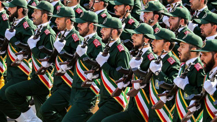 Des Gardiens de la Révolution islamique iranienne défilent lors d'une parade militaire à Téhéran, la capitale de l'Iran, le 22 septembre 2018. (AFP)