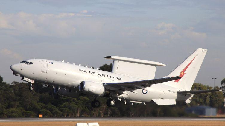 Un avion australien décolle pour participer aux recherches du vol MH370, le 4 avril 2014 à Perth (Australie). (CPL DAVID GIBBS / AUSTRALIAN DEFENCE)