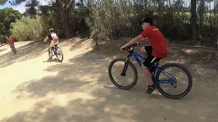Tourisme : Porquerolles, un paradis naturel protégé très apprécié par les cyclistes. (FRANCE 2)