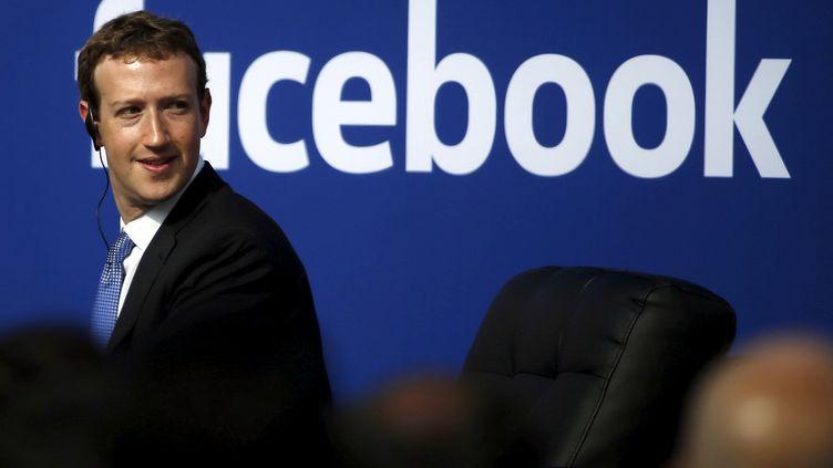 Le président de Facebook, Mark Zuckerberg, au siège du réseau social, à Menlo Park (Californie), le 27 septembre 2015. (STEPHEN LAM / REUTERS)