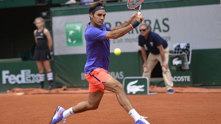 Federer a maîtrisé son tennis lors du 1er tour de Roland Garros (MIGUEL MEDINA / AFP)