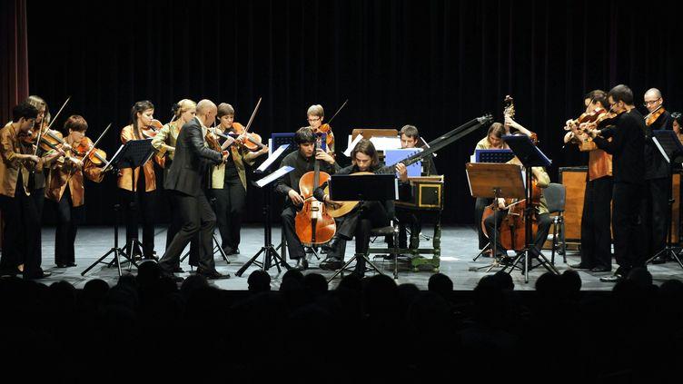 L'European Union Baroque Orchestra, ci-contre en représentation avec des violonistes italiensle 13 octobre 2011 àBudapest. (LASZLO BELICZAY / MTI)