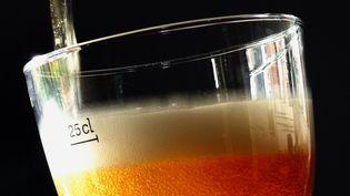 Un verre de bière. Photo d'illustration. (PHILIPPE HUGUEN / AFP)