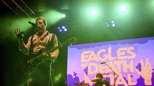 Jesse Hughes, du groupe Eagles of Death Metal, lors d'un concert à Los Angeles (Etats-Unis), le 25 octobre 2014. (REUTERS)