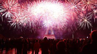 Le feu tiré depuis le Champs-de-Mars a duré 35 minutes  (MUSTAFA YALCIN / ANADOLU AGENCY)