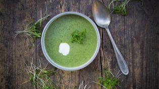 La célèbre soupe de cresson... avec une pointe de crême fraîche. Un délice ! (GETTY IMAGES)