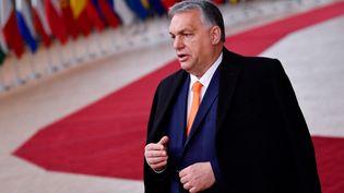 Le Premier ministre hongrois, Viktor Orban, s'adresse à la presse avant un sommet européen à Bruxelles (Belgique), le 10 décembre 2020. (JOHN THYS / POOL / AFP)