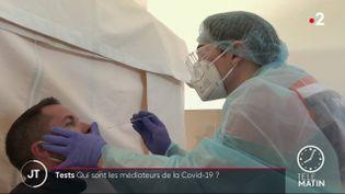 Un sommelier sans travail s'est engagé contre le Covid-19 (France 2)