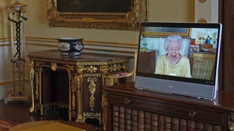 Royaume-Uni : la reine Elizabeth II ne pourra pas assister à la COP26 pour raisons médicales (FRANCE 3)