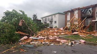 Les dégâts provoqués par une tornade à Gatineau (Québec, Canada), le 21 septembre 2018. (VINCENT-CARL LERICHE / AFP)