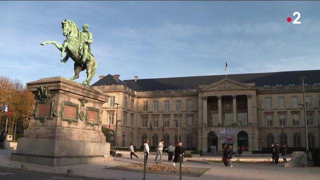Rouen : la statue de Napoléon bientôt remplacée par celle de Gisèle Halimi ?