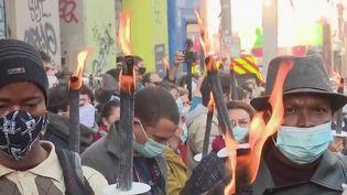 Marseille : hommage aux victimes de la rue d'Aubagne (France 2)