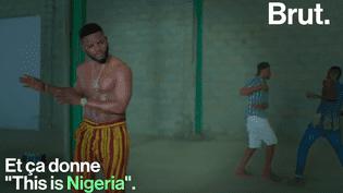 """VIDEO - Pour dénoncer les problèmes qui rongent son pays, un rappeur nigérian s'inspire de """"This is America"""", le clip viral de Childish Gambino (BRUT)"""