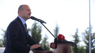 Le ministre de l'Intérieur turc, Suleyman Soylu, lors d'un discours dans une école de police à Istanbul (Turquie), le 21 mars 2019 (BARIS ORAL / ANADOLU AGENCY / AFP)