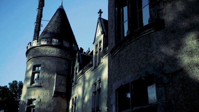 """Paranormal : l'engouement pour les """"châteaux hantés"""" (FRANCE 2)"""