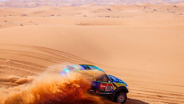 Les internautes et les auditeurs ont écrit à la médiatrice des antennes de Radio France au sujet de ce Rallye Dakar 2021. Illustration du rallye le 8 janvier 2021, 6e étape. (FREDERIC LE FLOCH HANDOUT VIA ASO / EPA / MAXPPP)
