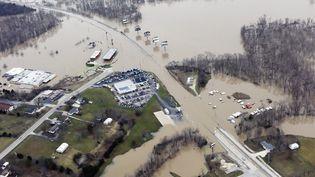 Des maisons et des routes submergées par les inondations à Union, dans le Missouri (Etats-Unis), le 29 décembre 2015. (KATE MUNSCH / REUTERS)