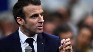 Emmanuel Macron, le 7 mars 2010, àGreoux-les-Bains (Alpes-de-Haute-Provence). (CHRISTOPHE SIMON / AFP)