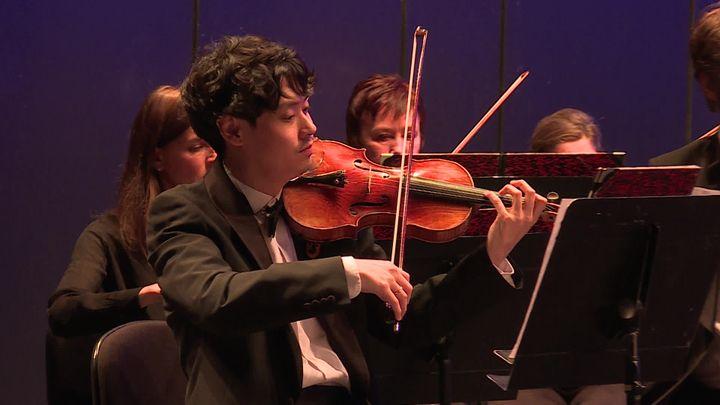 Da Min Kim , premier Violon de l'Orchestre Philarmonique de Marseille (France Télévisions / L.Perrier)