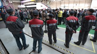 L'usine Alstom de Belfort en mai 2015, lors d'une visite du ministre de l'Economie d'alors, Emmanuel Macron. (FREDERICK FLORIN / AFP)