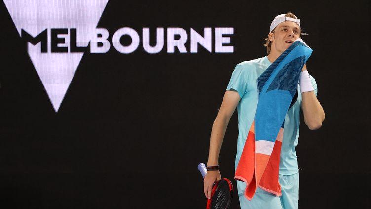 La prodige canadien, Denis Shapovalov, à l'Open d'Australie le 8 février 2021. (DAVID GRAY / AFP)