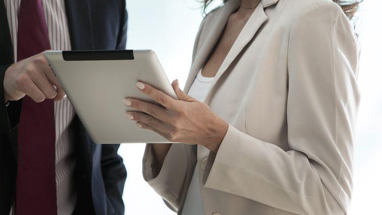 Les hommes n'osent plus travailler avec les femmes, selon un sondage aux USA. (MAXPPP)