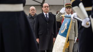 Le président François Hollande, le 19 mars 2016 au Quai Branly pour la commémoration du cessez-le-feu de la guerre d'Algérie. (CHRISTOPHE PETIT TESSON / AFP)