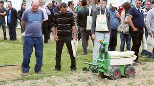 Exposition de robots agricole,Saint Martin du Fouilloux (France)l'Angle éco.Juin 2015 ( FRANCE 2 / FRANCE TV INFO )